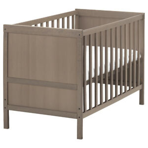Ikea SUNDVIK baby crib - two stages (baby/toddler)