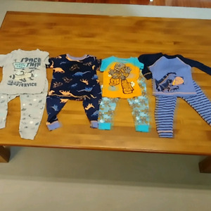 Boys 2T lot of clothing