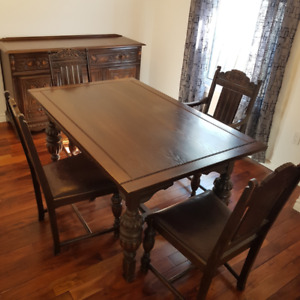 Dining Room Set - Oak