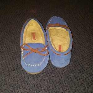 Moccasins/ Slippers