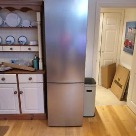Bosh fridge freezer Dimensions:2010 x 600 x 650 As new condition