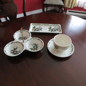 """PORTMERION """"HOLLY AND IVY"""" DISHES"""