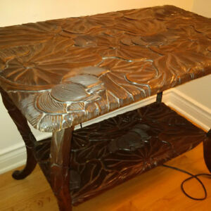 Hand carved antique table, gorgeous
