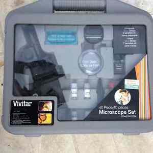 Vivitar Microscope Set  / Ensemble Microscope