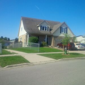 Clean Private Upper Level in Executive Home Kitchener / Waterloo Kitchener Area image 1