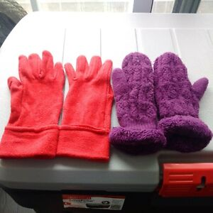 Women's woollen gloves