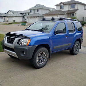 2015 Xterra Pro-4X, Leather, NAV, Back-up Cam