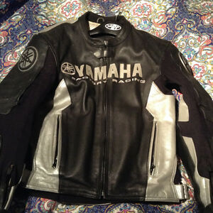 2 piece leather suit Yamaha