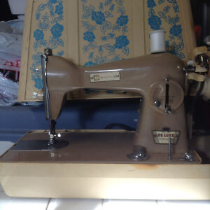 Bradford Sewing Machine Deluxe