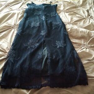 Navy Blue Spaghetti Strap Flower Dress - Size 8 Kitchener / Waterloo Kitchener Area image 4