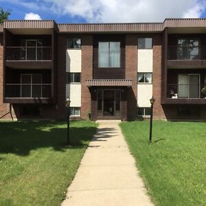 LACOMBE-Apt. For Rent