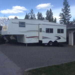 2004 Topaz LE 275rks fifth wheel