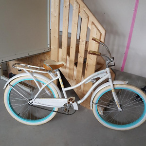 HUFFY blue bike