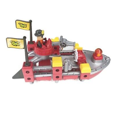 Fisher Price TRIO Fire Rescue Boat Building Play Set Mini Figure Blocks Rods