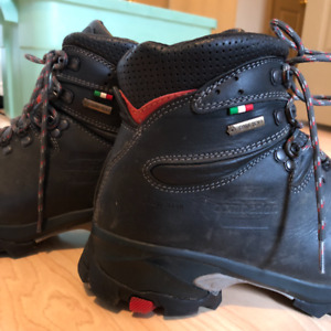 ZAMBERLAN 996 VIOZ GTX® WNS Leather Backcountry Boots