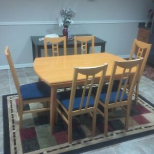 6 chair dining table -- Extendable