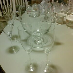 Crystal Champagne 4 Flutes/ Ice Bucket Gatineau Ottawa / Gatineau Area image 3