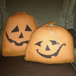 PLUSH PUMPKIN SACKS • NEW • Halloween Party Decor Indoor/Outdoor