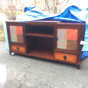 FREE TV /Media stand