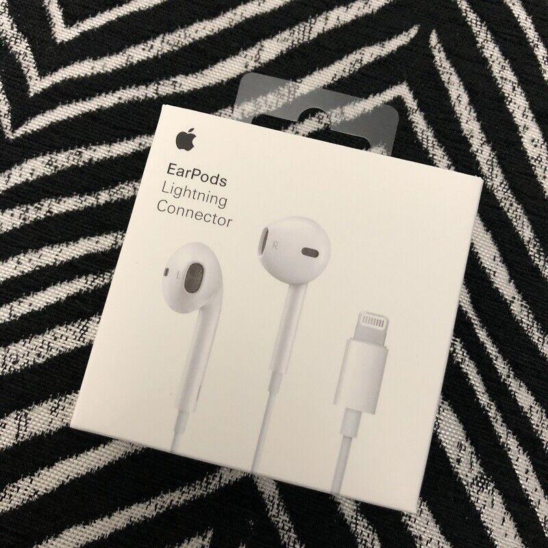 Genuine Apple EarPods Lightning Connector Earphones Headphon