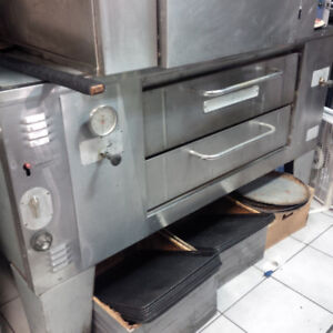 BAKER PRIDE SINGLE DECK PIZZA OVEN NATURAL GAS