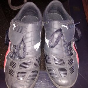 Puma turf shoes size 7
