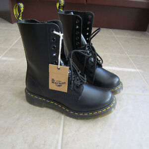 Brand new Dr.martens and Rockport. Peterborough Peterborough Area image 3