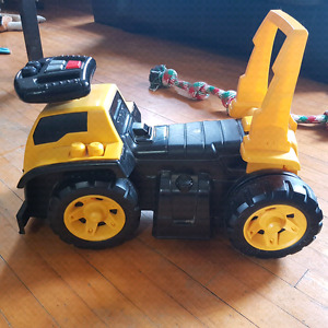CAT Truck( learn to walk) toy