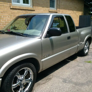 2000 Chev S-10 pickup Only needs body TLC