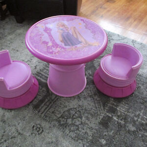 RAPUNZEL TABLE AND CHAIR SET