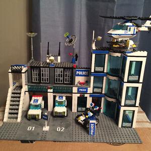 LEGO Police Station with bonus Helicopter (7209,7741) Windsor Region Ontario image 2