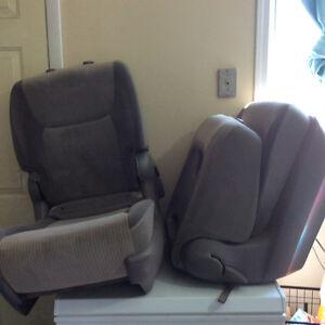 Minivan bucket seats