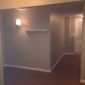 One Bedroom Apartment Marshall Crescent Heat and Light Included
