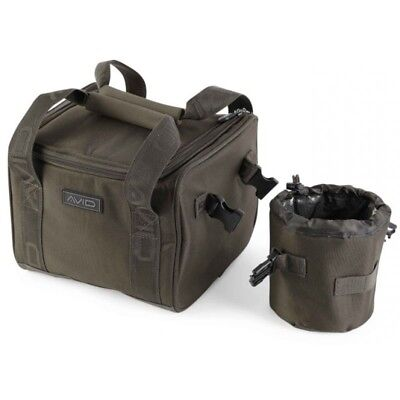 Avid Carp A-Spec Compact Cooler Angler Tasche Karpfen Angeln isoliertes Material