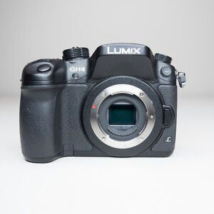 PANASONIC GH4 BODY + M4/3 PANO and OLY LENSES (Perfect 14-200mm