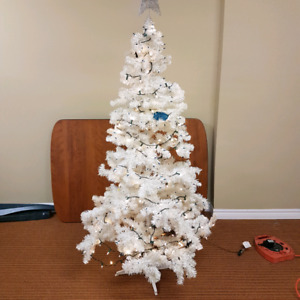 6ft White Christmas tree with lights and star
