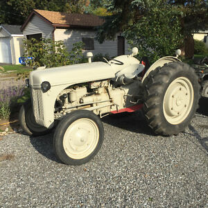 1947 FORD 2N TRACTOR AND IMPLEMENTS