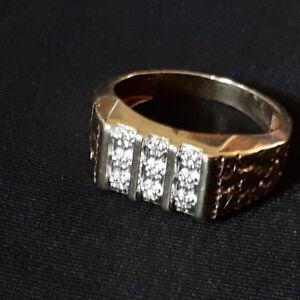 Chevalière en Or 10Ksertie de 9 zircons -10K Gold ring