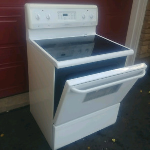 FRIDGIDARE GALERY SELF CLEANING OVEN