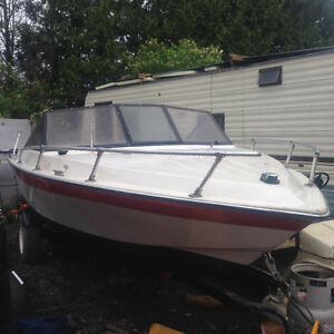 17.5 foot Stratacraft 120hp inboard merc with merc leg with trai