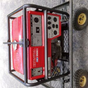 500$ O.B.O. Used Honda 3500W - gasoline generator 120/240