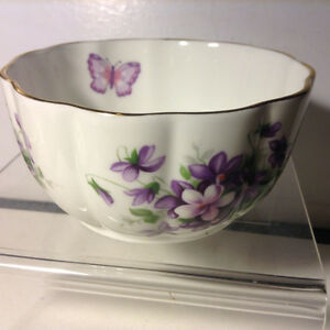 Aynsley Wild Violets Flowers Butterfly VAR-I-ETE Bowl English Bo