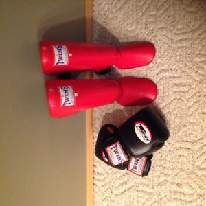 Twins Muay Thai Shin Pads (large) & 16 oz Gloves - Real Leather