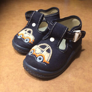 Boys shoes 12-18 months