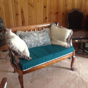 Antique claw bench
