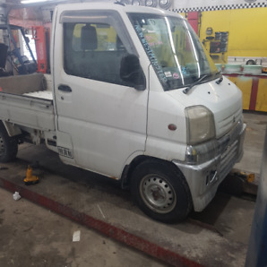 REDUCED 2000 MITSUBISHI MINI CAB FUEL INJ POWER STEERING 72KMS