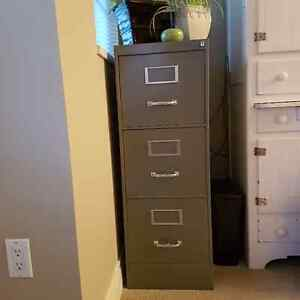 Fee - 3 Draw Metal File Cabinet - Very Good Condition