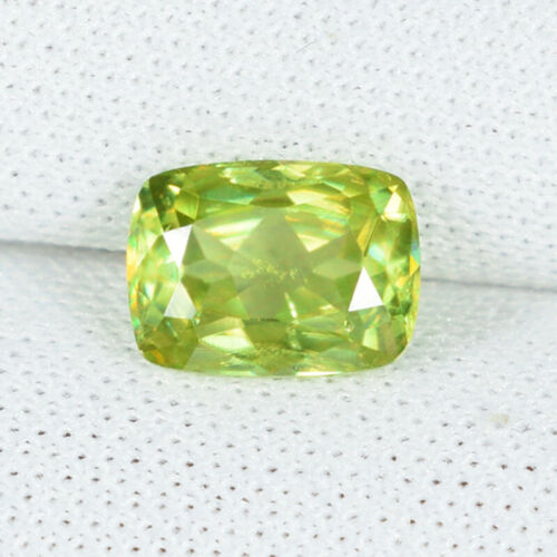 1.17 ct ULTRA RATE GREEN  YELLOW 100% NATURAL SPHENE  Cushion  See Vdo _ 5759 BC