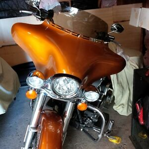 "Amber Batwing fairing with 9"" smoked windshield"