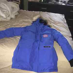 Woman's Canada goose expedition jacket